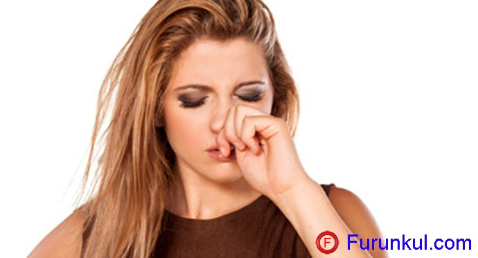 Симптомы фурункула на переносице