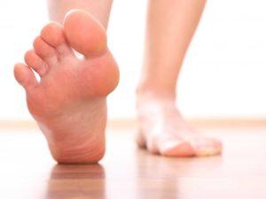 Чем лечить шипицу на ноге