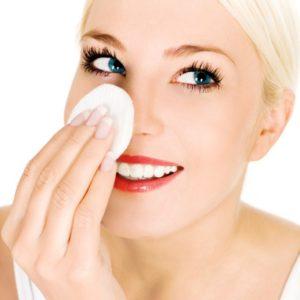 Причины и лечение розовых угрей на лице