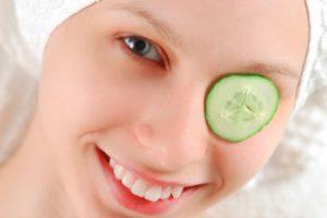 Причины и лечение раздражения вокруг глаз