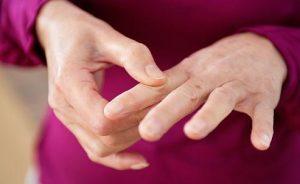 Признаки псориатического артрита и методы лечения