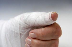 Нагноение пальца у ногтя