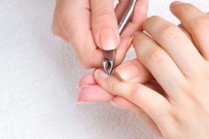 У ребенка воспалился палец возле ногтя