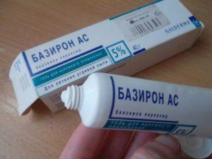 Недорогие аптечные средства от прыщей на коже лица